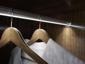 oświetlenie szafy